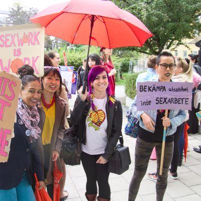 Seksityöntekijät osoittavat mieltään Tukholmassa