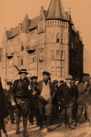 Vangittuja punakaartilaisia 13.4.1918.
