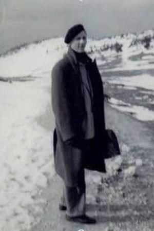Säveltäjä Einojuhani Rautavaara musta baskeri päässä.