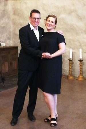 Pianisti Hans-Otto Ehrström ja sopraano Anna Danik Lohjan kirkossa kesäkuussa 2020.