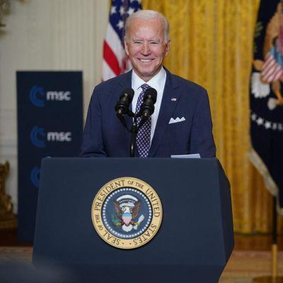 Joe Biden puhuu Münchenin turvallisuuskokouksessa.