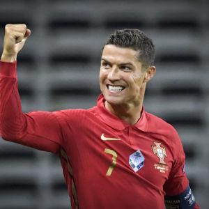 Cristiano Ronaldo har gjort 101 mål för Portugal.