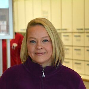 Profilbild på veterinär Elina Illukka.