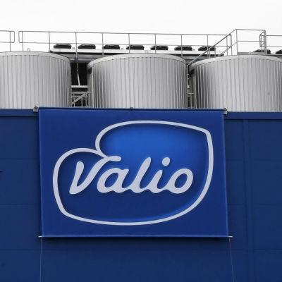 Bild föreställande Valios mellanmålsfabrik i Riihimäki. Bilden är från augusti 2017 då fabriken invigdes.