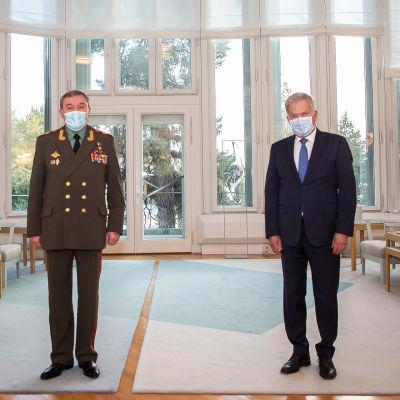 Presidentti Sauli Niinistö ja Venäjän armeijakenraali Valeri Gerasimov Mäntyniemessä