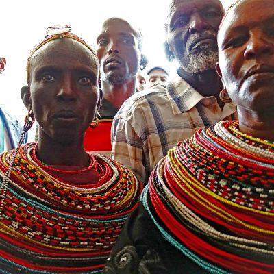 Paimentolaiset kenialaisessa tuomioistuimessa maaliskuussa 2016.