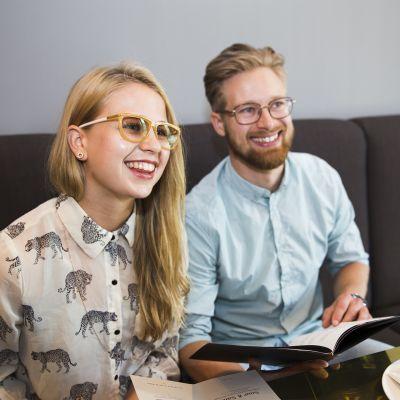 Salla Nurminen ja Miki Puikkonen ravintola Rosterissa