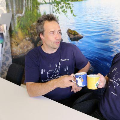 toimitusjohtaja Richard Järvinen (vas) ja hankintajohtaja Heikki Lassila.