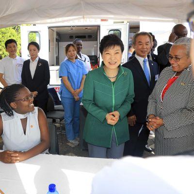 Etelä-Korean presidentti Park Geun-hye vierailulla Nairobissa, Keniassa 31. toukokuuta.