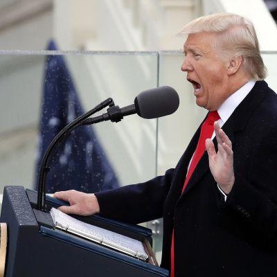 Donald Trump pitämässä virkaanastujaispuhettaan.