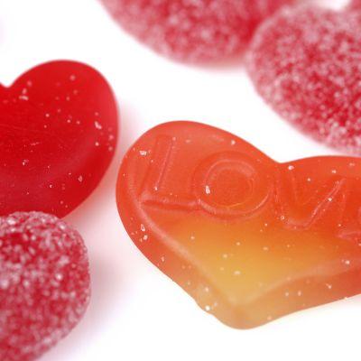 sydämen muotoisia karkkeja
