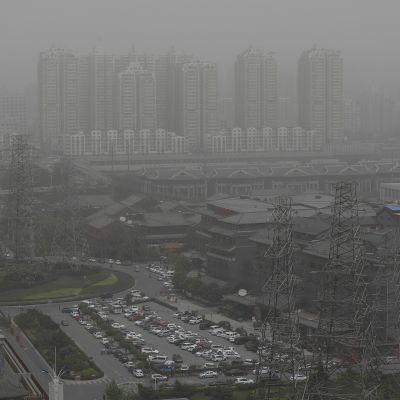 Hiekkamyrskyä Pekingissä 4. toukokuuta.