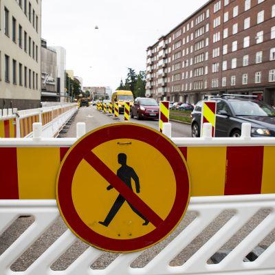 jalankulku kielletty liikennemerkki Mechelininkadulla