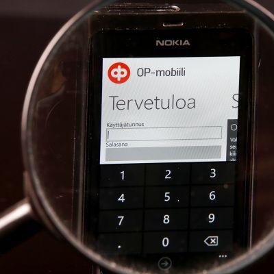 Yksityiskohta OP-mobiilin sisäänkirjautumislomakkeesta.