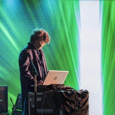 DJ, Taiteiden yö