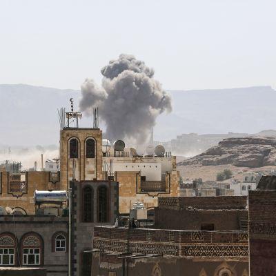 Pommitus Sanaassa Jemenissä.