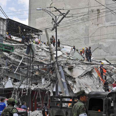 Romahtanut rakennus pääkaupunki Méxicossa.