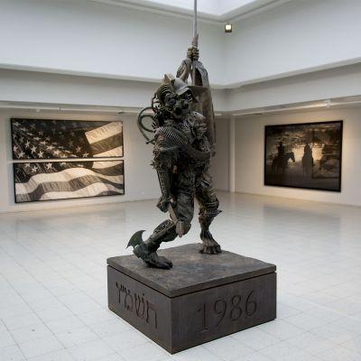 Robert Longon teos Sara Hildénin taidemusossa Tampereella