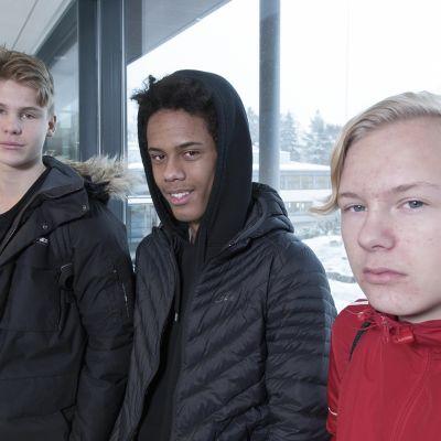 Idrissa Camara, Miro Väänänen ja Otto Sallinen.