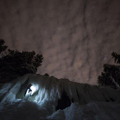Jääkiipeilyä Vaudin kantonissa Sveitsissä 14. helmikuuta.