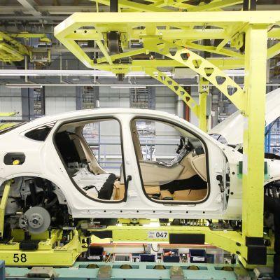 Saksalainen autoteollisuus on erityisesti joutunut Yhdysvaltain presidentti Donald Trumpin hampaisiin.