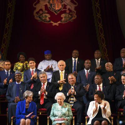 Kansainyhteisö piti kokouksen Lontoossa Buckinghamin palatsissa.