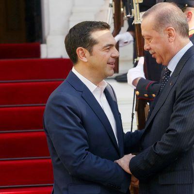Presidentti Recep Tayyip Erdogan ja Kreikan pääministeri Alexis Tsipras