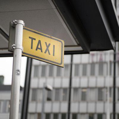 Taksitolppa.