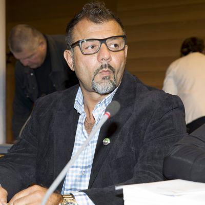 Lelusalakuljettaja Rami Adham Helsingin käräjäoikeudessa tiistaina 28. elokuuta