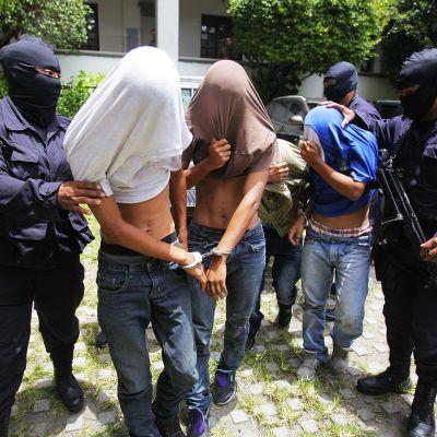 Jengiläisten pidätys El Salvadorissa.