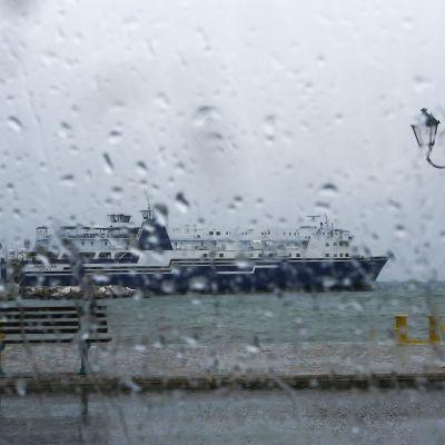 Rafinan satamakaupunki Kreikassa 28. syyskuuta.