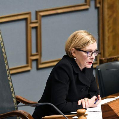 Puhemies Paula Risikko eduskunnan suullisella kyselytunnilla Helsingissä 4. lokakuuta.
