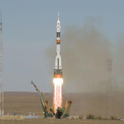 Sojuz-raketin laukaisu 11. lokakuuta.