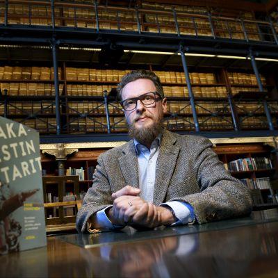 Tutkija ja kirjailija André Swanström.