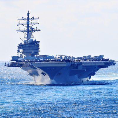 Yhdysvaltain laivaston lentotukialus USS Ronald Reagan osallistui 13 valtion merivoimien yhteistapahtumaan Jeju-saaren läheisyydessä Itä-Kiinana merellä 11. lokakuuta.