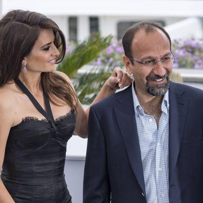Penelope Cruz ja Asghar Farhadi Cannesin elokuvajuhlilla 2018.