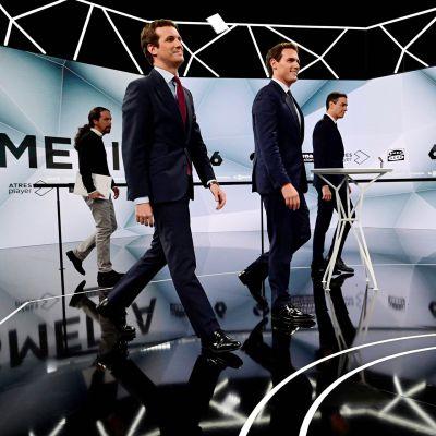 Pablo Iglesias, Pablo Casado, Albert Rivera, Pedro Sanchez saapumassa televisioituun keskusteluun 23. huhtikuuta Madridissa.