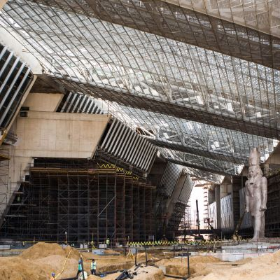 Stora egyptiska muséet i Giza i Egypten.
