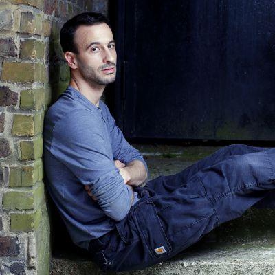 Hofesh Shechter on tanssin maailmantähti. Hän asuu Lontoossa.