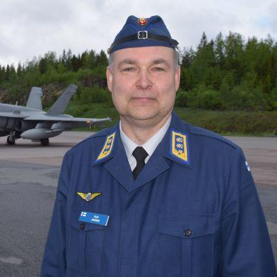 Ilmavoimien komentaja Pasi Jokinen.
