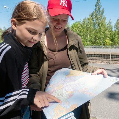 lona ja Aino Toivanen