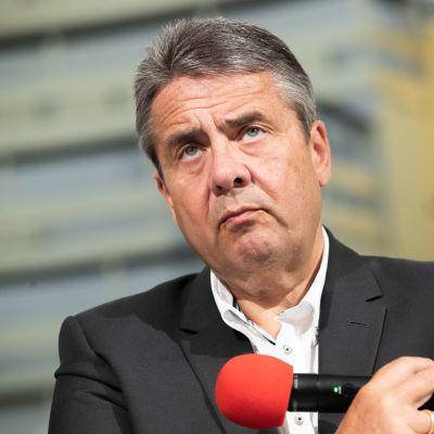 Sigmar Gabriel puolueensa tilaisuudessa Berliinissä kesäkuussa.
