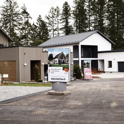 Designtalo Airon neito asuntomessujen mediapäivässä asuntomessuilla Kouvolassa.