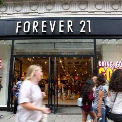Forever 21 -liike Lontoon Oxford Streetilla.