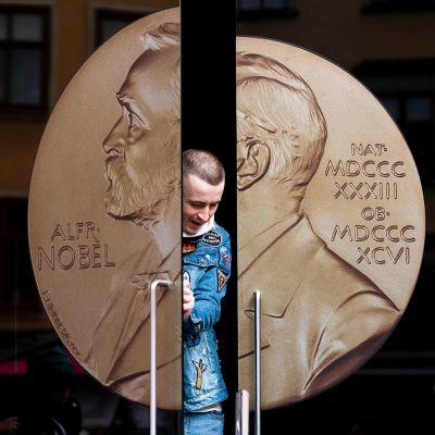 Nobel-museon sisäänkäynti Tukholmassa.