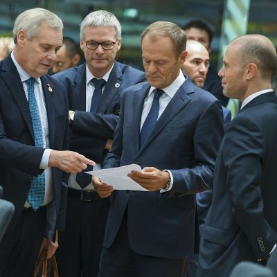 Antti Rinne ja Donald Tusk.