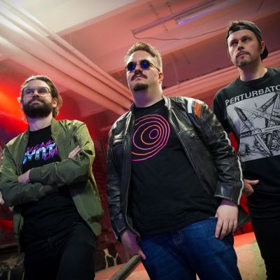 Juha Petteri Falck, Oskari Lappalainen, Petteri Leiviskä, synthwave