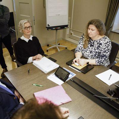 Postilakon sovittelua jatkettiin valtakunnansovittelija Vuokko Piekkalan (kesk.) johdolla valtakunnansovittelijan toimistolla Helsingissä keskiviikkona 20. marraskuuta.
