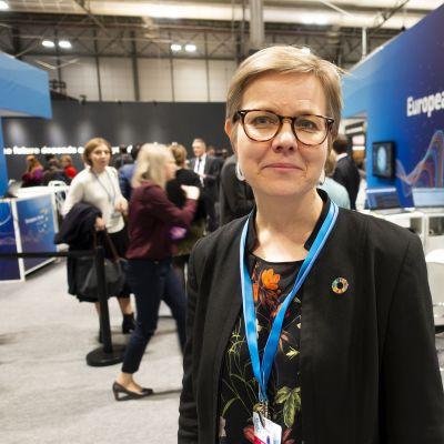 Ympäristö- ja ilmastoministeri Krista Mikkonen  Madridin ilmastokokouksessa