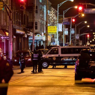 Kuusi ihmistä kuoli ampumavälikohtauksessa joulukuussa Jersey Cityssä, New Jerseyssä.